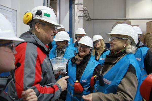 Активисты Общественной палаты Кстовского района оценили экологичность и безопасность производства на «РусВиниле»